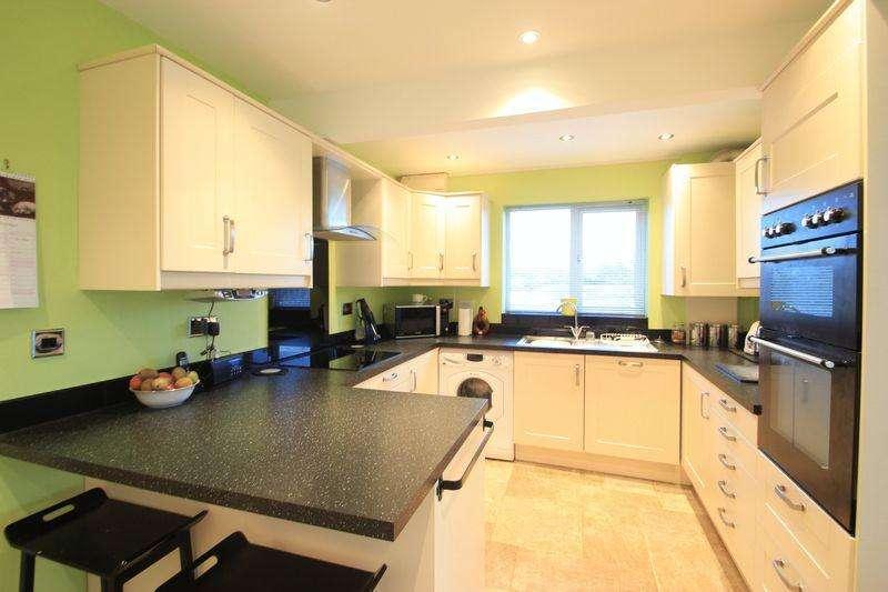 4 Bedrooms Detached House for sale in Caernarfon, Gwynedd