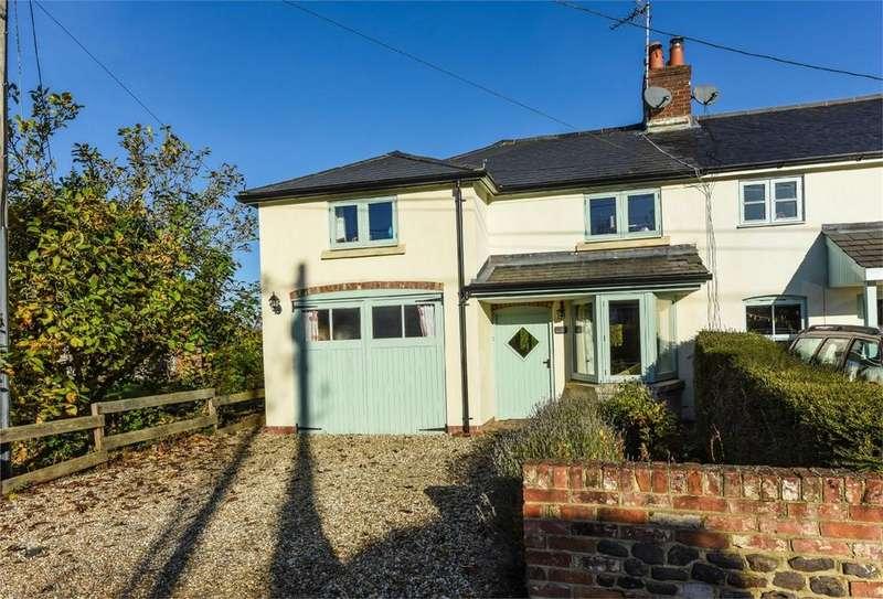 3 Bedrooms Cottage House for sale in Station Road, Bentley, Farnham
