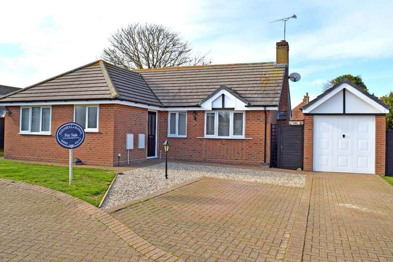 3 Bedrooms Detached Bungalow for sale in The Brambles, Bembridge, Isle of Wight, PO35 5QH