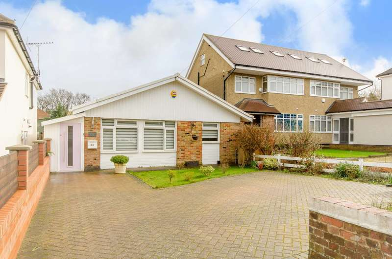 3 Bedrooms Bungalow for sale in Cavendish Road, High Barnet, EN5