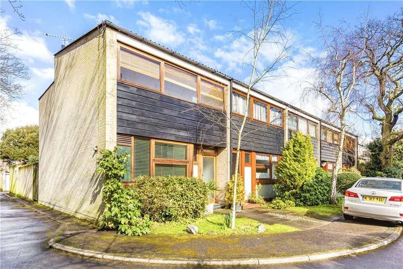 3 Bedrooms Semi Detached House for sale in Tibbets Close, Wimbledon, London, SW19