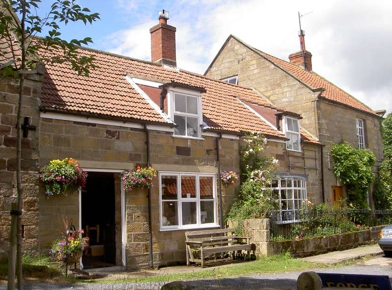4 Bedrooms Cottage House for sale in Lealholm, Whitby, North Yorkshire, YO21
