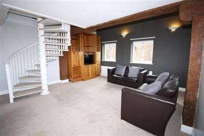 3 Bedrooms Flat for rent in Love Lane, City Centre