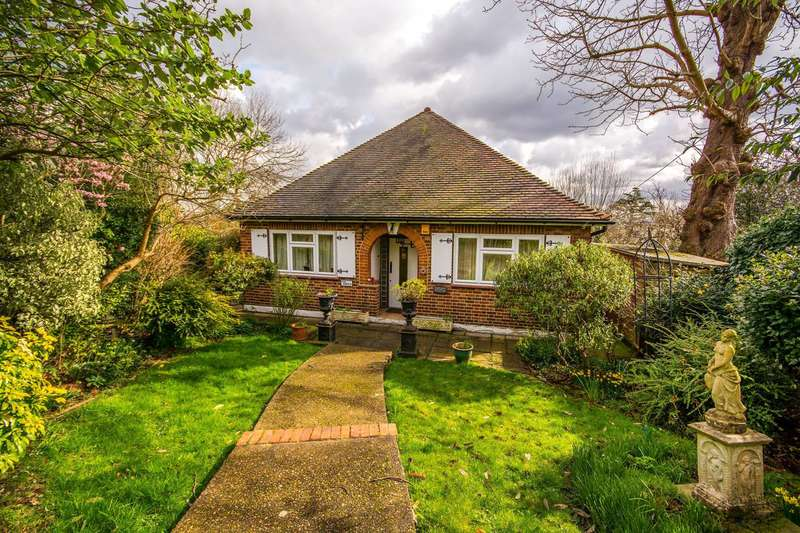 2 Bedrooms Bungalow for sale in Honor Oak Road, Forest Hill, SE23