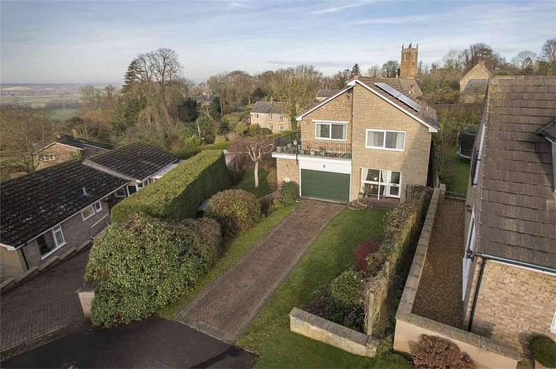 4 Bedrooms Detached House for sale in Winchilsea Drive, Gretton, Northamptonshire