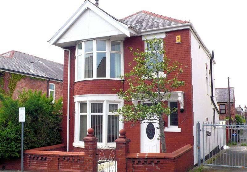 3 Bedrooms Detached House for sale in Poplar Avenue, Stanley Park, Blackpool