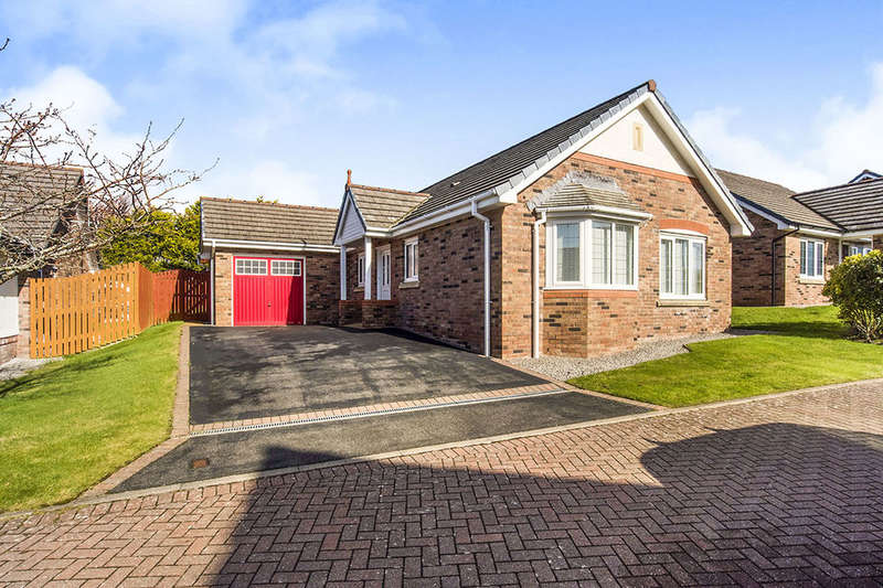 3 Bedrooms Detached Bungalow for sale in Spruce Grove, Whitehaven, CA28