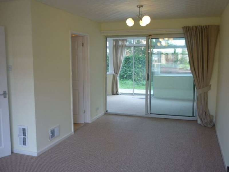 2 Bedrooms Detached House for rent in Dibbins Hey, Spital