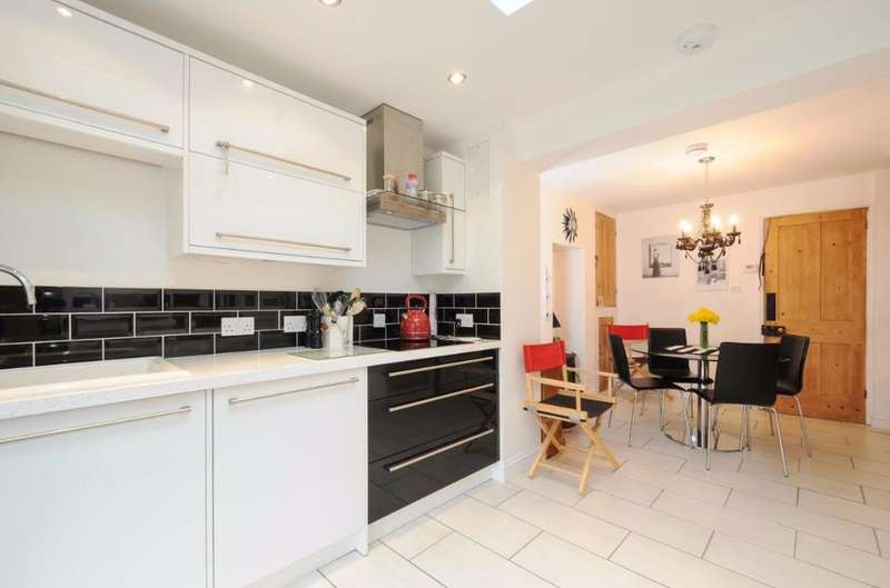 2 Bedrooms Terraced House for sale in College Lane Hurstpierpoint West Sussex BN6
