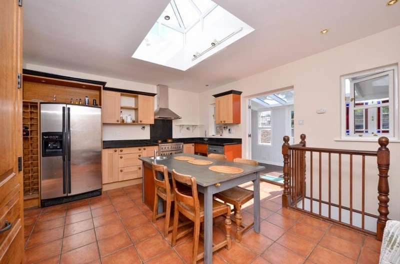 4 Bedrooms End Of Terrace House for sale in High Street Hurstpierpoint West Sussex BN6
