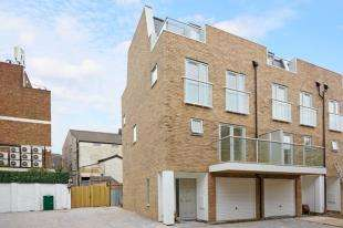 3 Bedrooms Terraced House for sale in The Kings Quarter, Rochester, Kent
