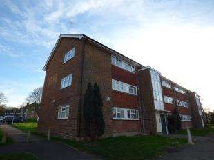 2 Bedrooms Flat for sale in Border Gardens, Shirley, Croydon, Surrey