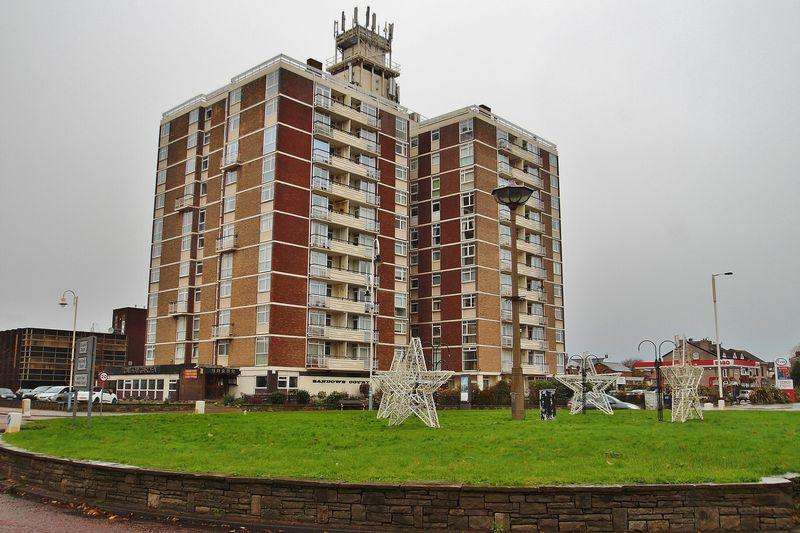 2 Bedrooms Apartment Flat for sale in 27 Sandown Court