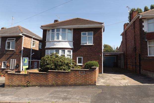 3 Bedrooms Detached House for sale in Ferndale Road, Nottingham, NG3
