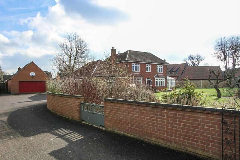 3 Bedrooms Detached House for sale in Norwich Road, Attleborough, Norfolk