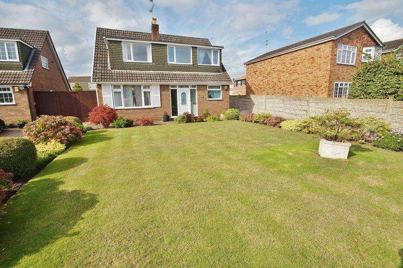 3 Bedrooms Detached House for sale in Liverpool Road, Southport