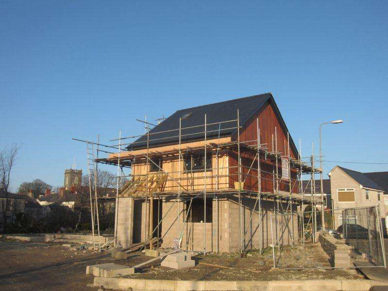 3 Bedrooms Detached House for sale in Old Station Road, AMLWCH
