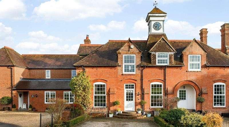 3 Bedrooms Terraced House for sale in Deanwood Farm, Stockcross, Newbury, Berkshire, RG20