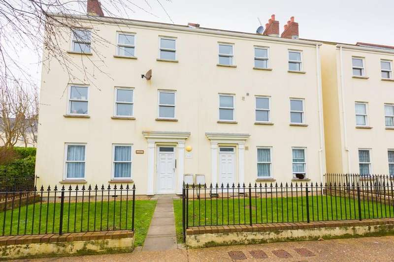 2 Bedrooms Maisonette Flat for sale in Le Bouet, St. Peter Port, Guernsey
