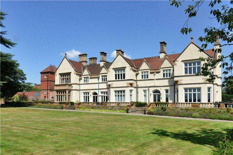2 Bedrooms Flat for sale in Church Heights, Epperstone Manor, Epperstone, Nottinghamshire