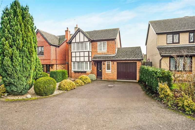 4 Bedrooms Detached House for sale in Webb Close, Oundle, Peterborough, PE8