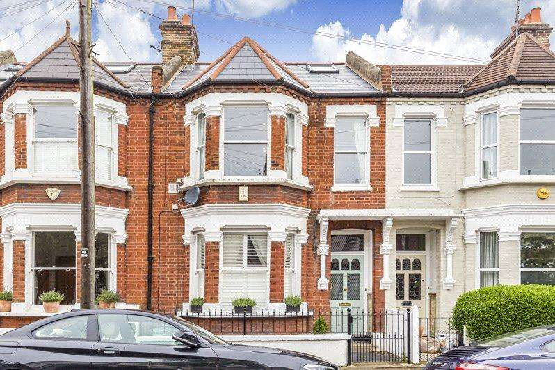 3 Bedrooms Maisonette Flat for sale in Tregarvon Road, London, SW11