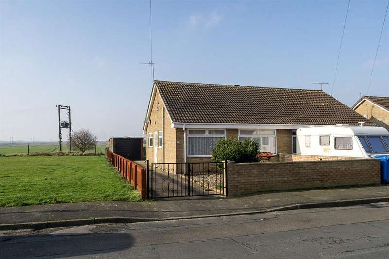 2 Bedrooms Semi Detached Bungalow for sale in Carrs Meadow, Withernsea, East Riding of Yorkshire
