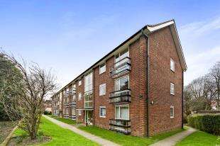 2 Bedrooms House for sale in Lister Court, 28 Godstone Road, Purley