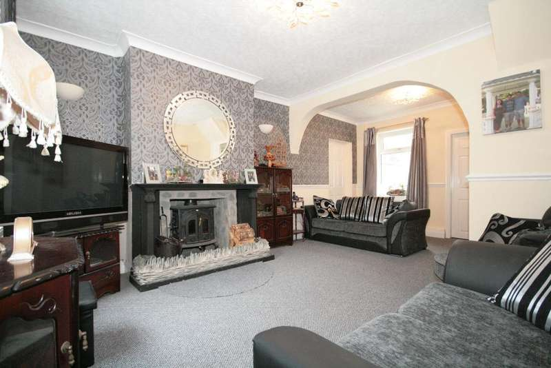 3 Bedrooms Semi Detached House for sale in Guildford Road, Birkdale, Southport, PR8 4JU