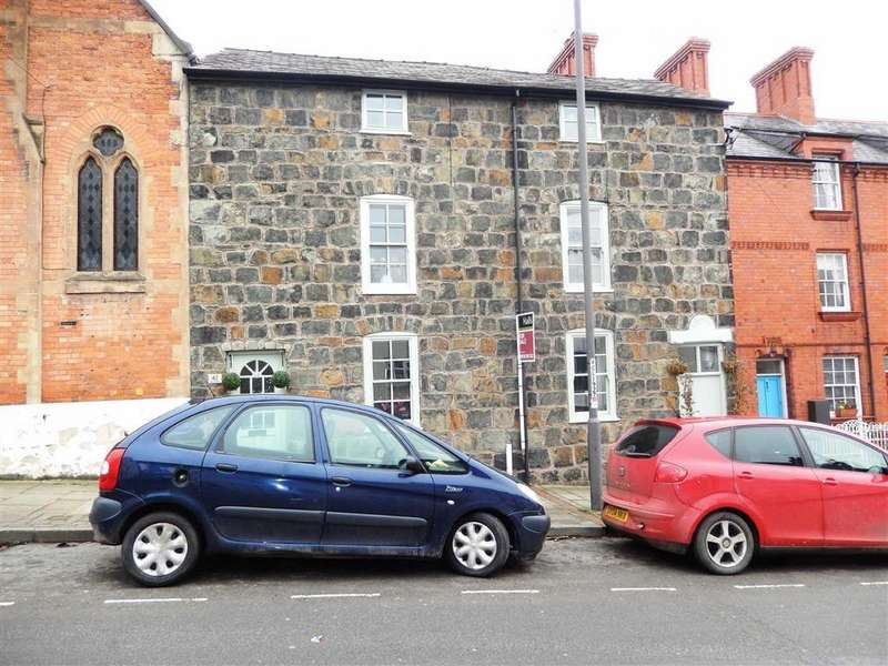3 Bedrooms Terraced House for sale in Mount Street, Welshpool, SY21