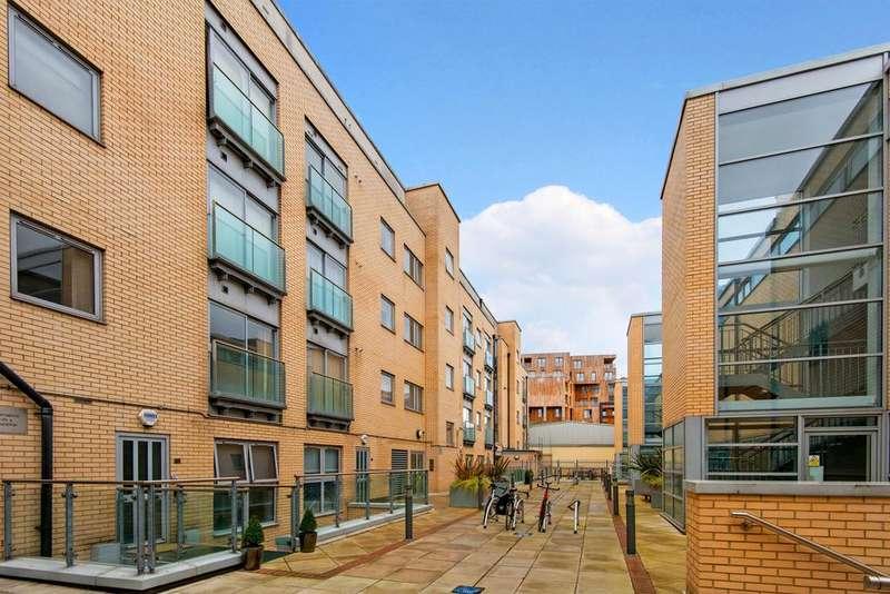 1 Bedroom Apartment Flat for sale in Wenlock Road, Hackney, London N1