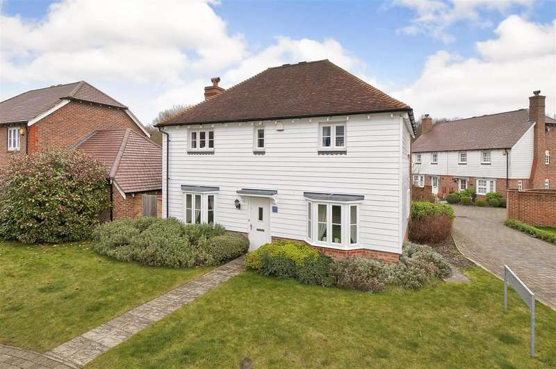 3 Bedrooms Detached House for sale in Emerald Walk, Kings Hill, ME19 4FY