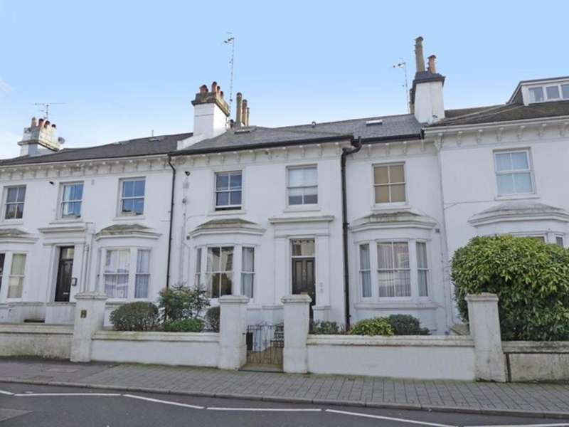 1 Bedroom Flat for sale in Buckingham Place Brighton East Sussex BN1