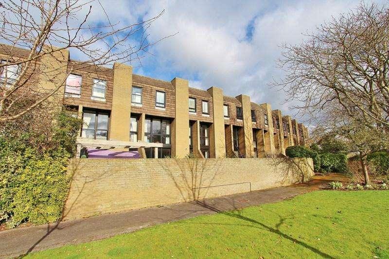 3 Bedrooms Terraced House for sale in Old Vicarage Green, Keynsham, Bristol
