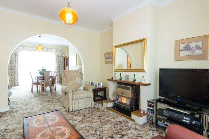 3 Bedrooms Semi Detached House for sale in Braid Avenue, Acton