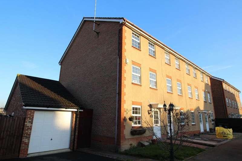 4 Bedrooms Terraced House for sale in Warwick Way Dartford DA1