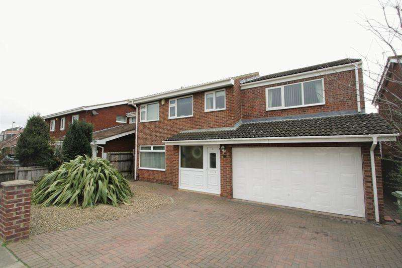 5 Bedrooms Detached House for sale in Foxwood Drive, Elm Tree, Stockton, TS19 0TY