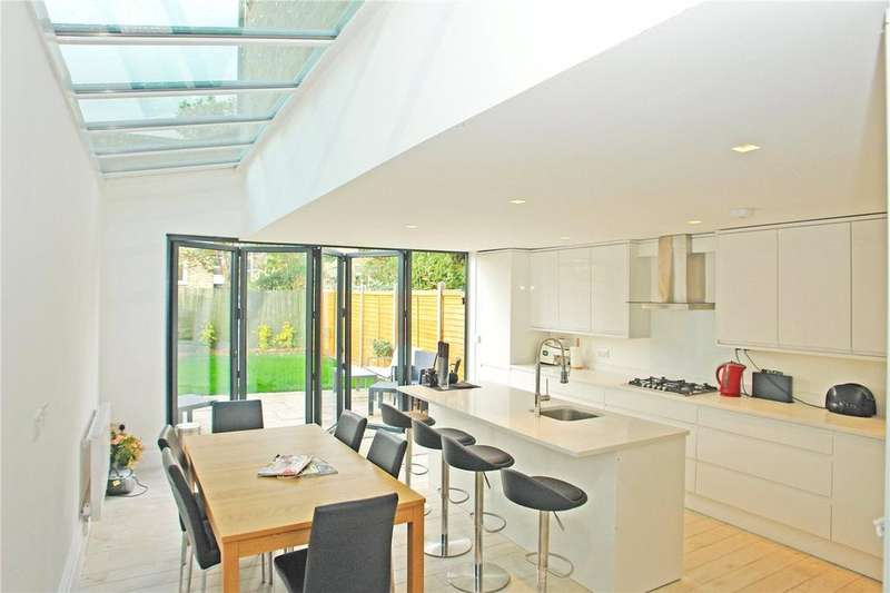 4 Bedrooms House for sale in Amott Road, Peckham Rye, London, SE15