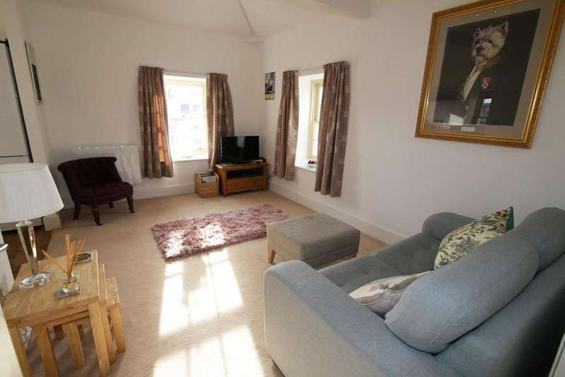 2 Bedrooms Flat for sale in Perreyman Square, Tiverton