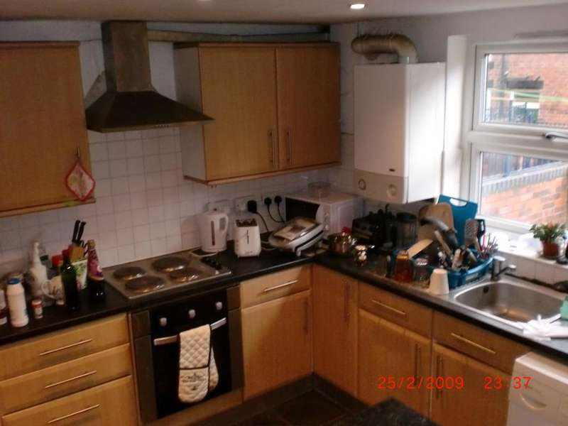5 Bedrooms Terraced House for rent in Burley Lodge Road, Hyde Park