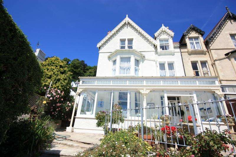4 Bedrooms Semi-detached Villa House for sale in Church Walks, Llandudno LL30
