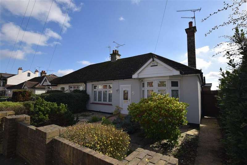 3 Bedrooms Bungalow for sale in Spital Road, Maldon, Essex