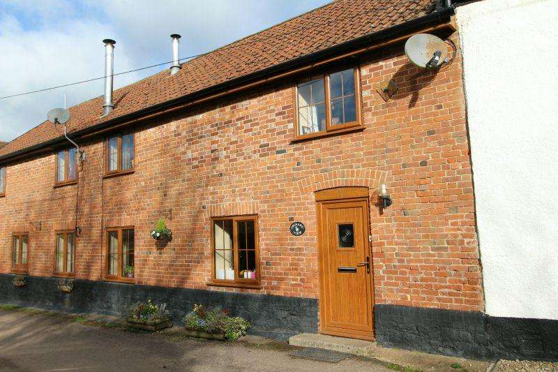 3 Bedrooms Terraced House for sale in WHIMPLE