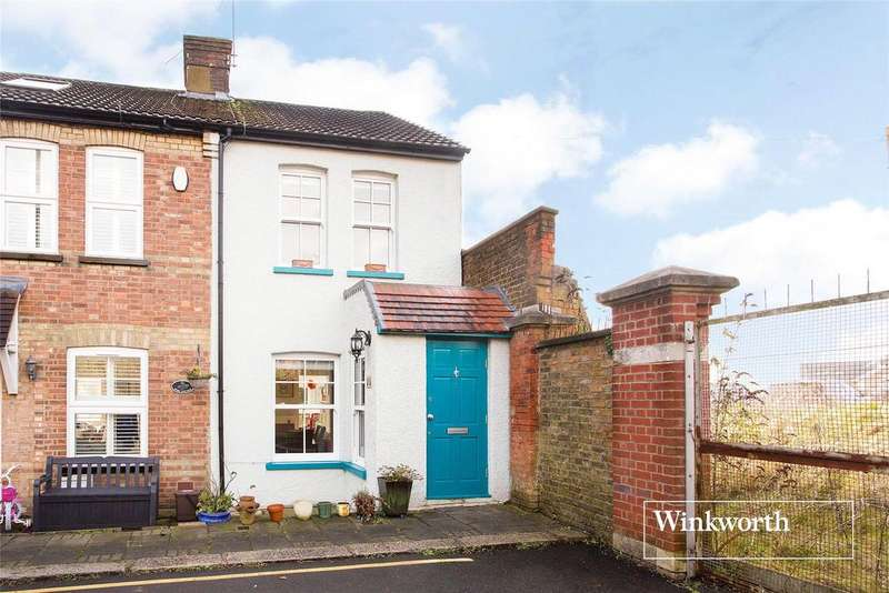 3 Bedrooms End Of Terrace House for sale in West End Lane, Barnet, Herts, EN5