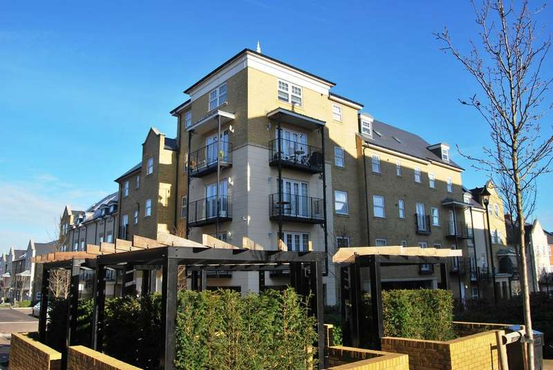 1 Bedroom Flat for sale in Renwick Drive Bromley BR2