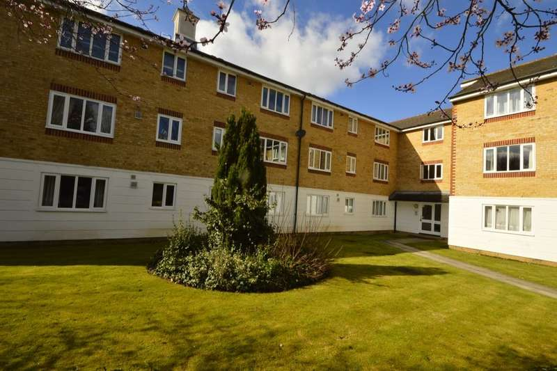 1 Bedroom Flat for sale in Chipstead Close, Sutton, SM2