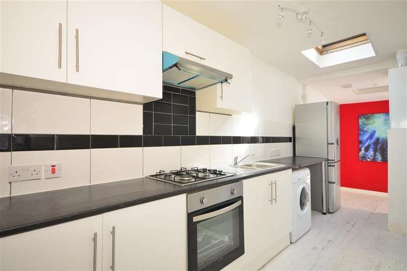 4 Bedrooms Terraced House for sale in Thorold Road, Ilford IG1