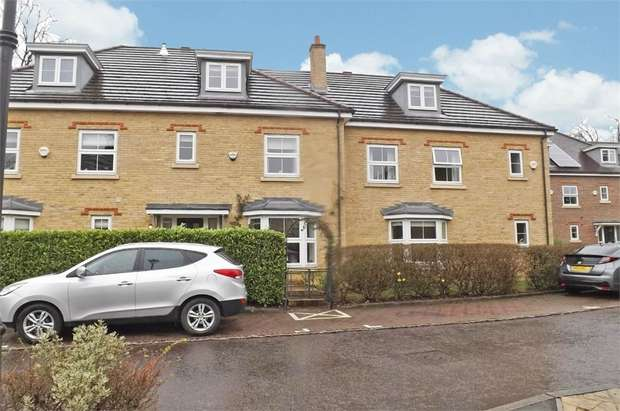 4 Bedrooms Terraced House for sale in Cranwells Lane, Farnham Common, Slough, Buckinghamshire