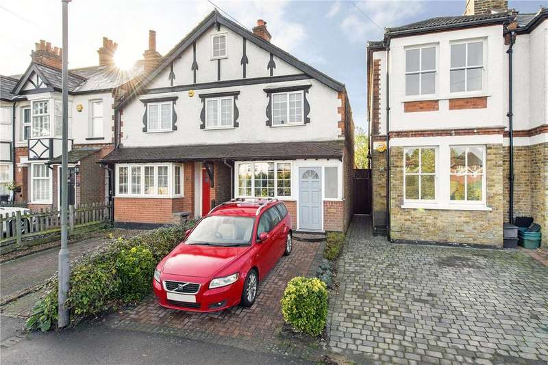 3 Bedrooms End Of Terrace House for sale in Candlemas Lane, Beaconsfield, HP9