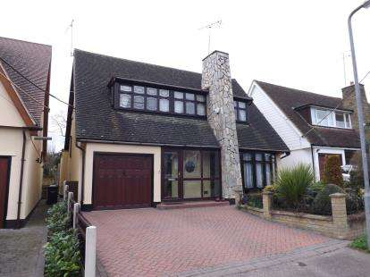 3 Bedrooms Bungalow for sale in Langdon Hills, Basildon, Essex